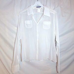 Elie Tahari NWT White button down blouse. Size L